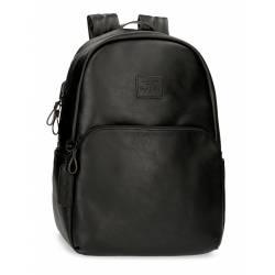 """Mochila para portátil 44x32x15 cm Pepe Jeans negra 15,6"""" de piel sintética."""